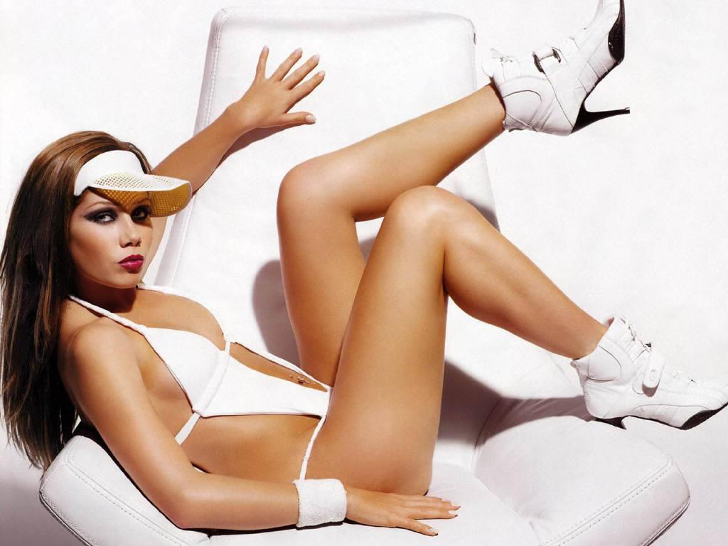 Topic: Nikki Sanderson Nude  Nikki Sanderson Naked (1/1) - Kunena