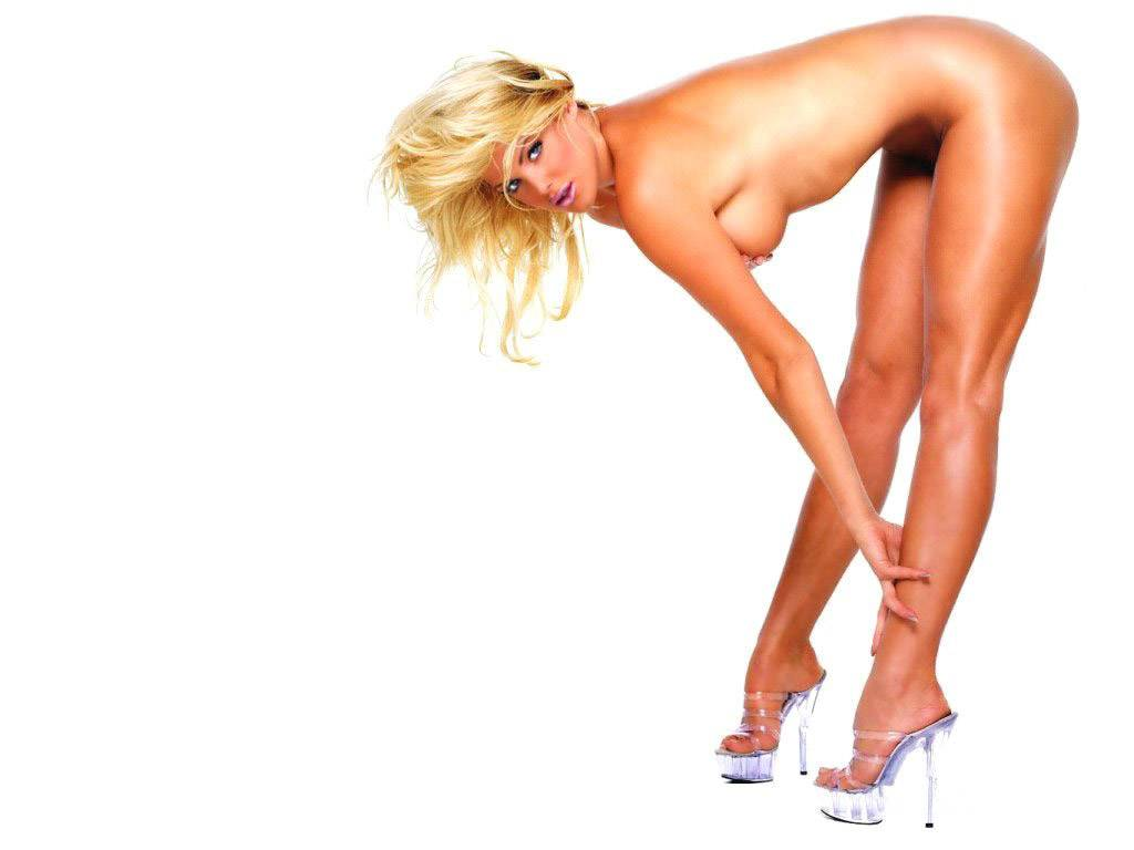 1024*768 nude images of victoria silvstedt