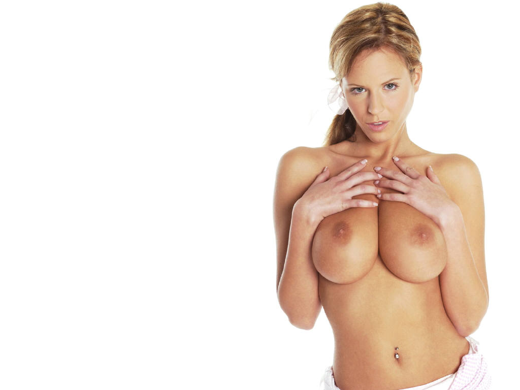 Zuzanna Drabinova Nude 59